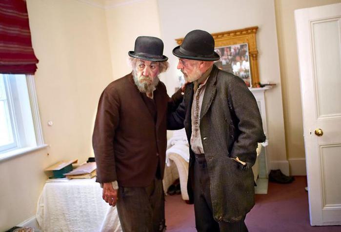 Актеры за 30 минут до выхода на сцену (редкие фото из книги «The Half» Саймона Аннанда)