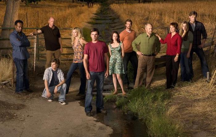 12 сериалов, которые могли успешно продолжаться, но их незаслуженно закрыли