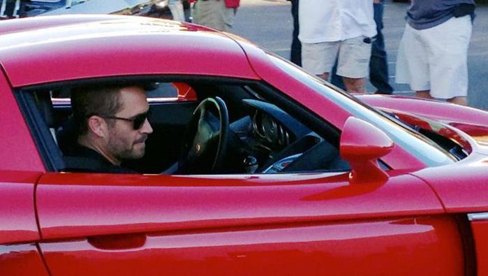 Компания Porsche отказалась взять на себя вину за гибель актера Пола Уокера