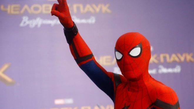 Человек Паук остаётся в киновселенной Марвел. Sony и Disney наконец то договорились.