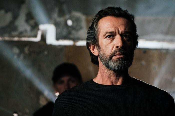 Почему нужно обязательно посмотреть экшен «Герой» с Машковым и Петровым?